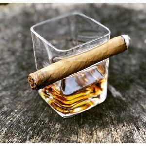 Pohár na whisky a cigaru
